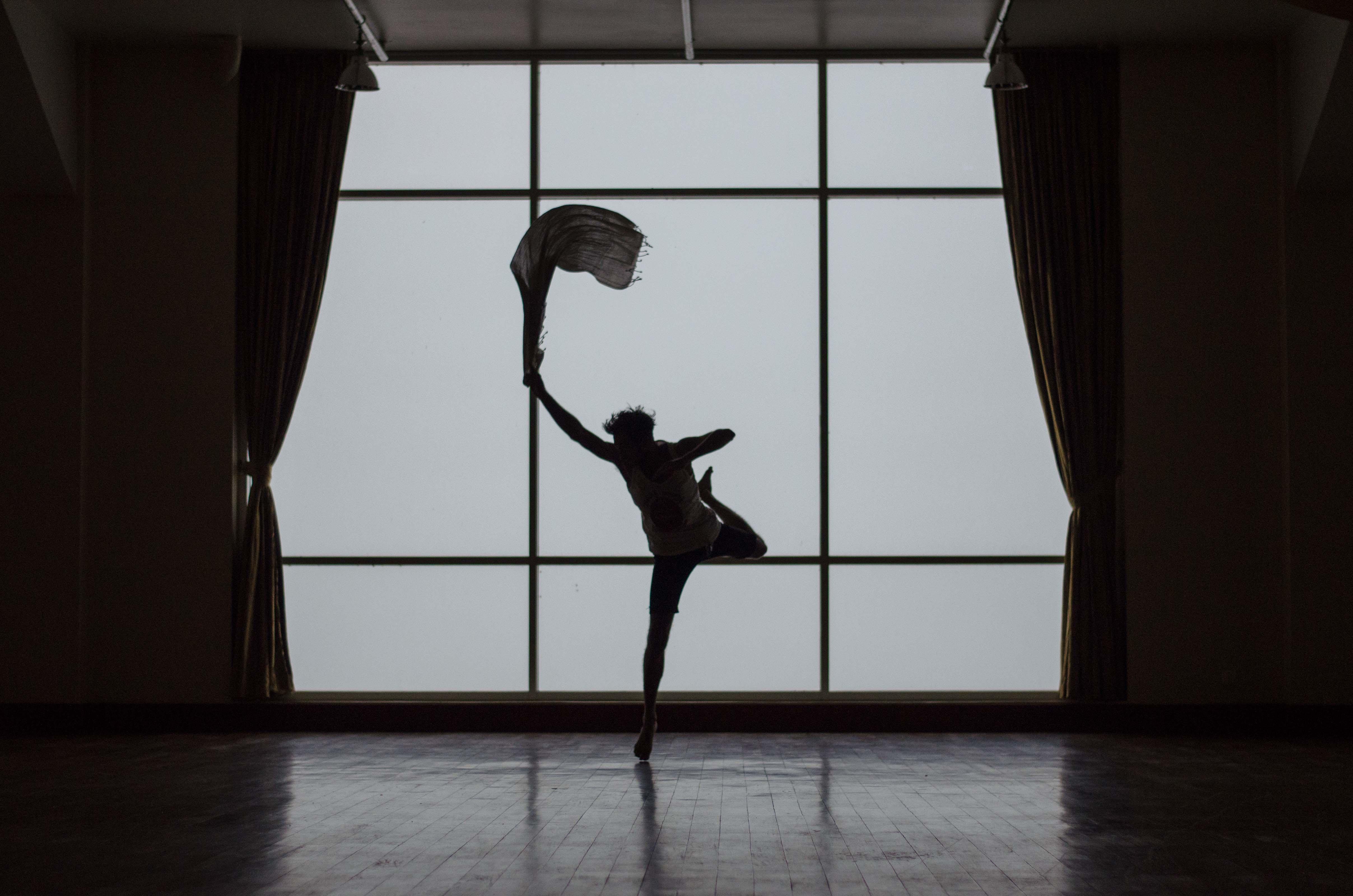 Dancer:etienne-boulanger-305086